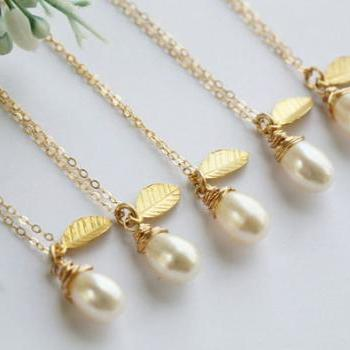 Bridesmaid gifts,Set of 4,wire wrapped pearl necklace,Leaf necklace,Gold filled,Bridesmaid necklace,Wedding jewelry
